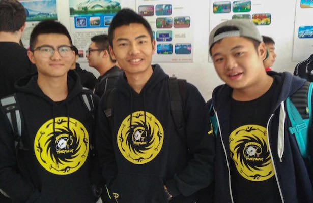 (above: Three friends and CAFL hopefuls traveled from Chengdu, 3000 miles away!)